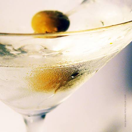 Dry_Martini_Cocktail