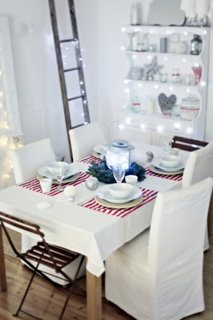 beach-cottage-coastal-christmas-table-dressing-416x625