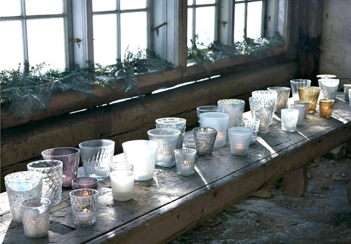 scandinavian-holiday-rustic-table-votives