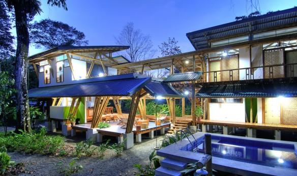 peruarki-arquitectura-casa-atrevida-en-costa-rica-por-luz-de-piedra-arquitectos-2-960x570
