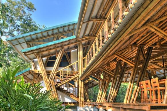 peruarki-arquitectura-casa-atrevida-en-costa-rica-por-luz-de-piedra-arquitectos-4-903x600