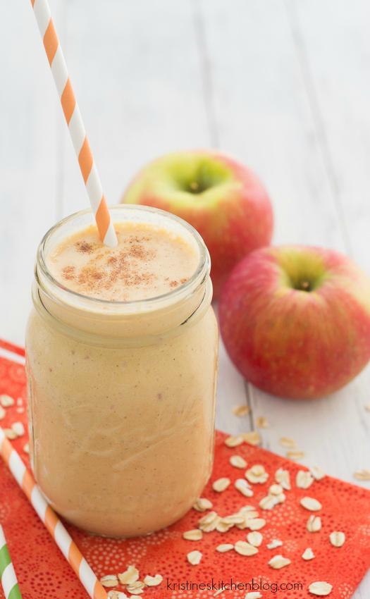 Pumpkin-Apple-Breakfast-Smoothie-a-healthy-fall-smoothie-Kristines-Kitchen-4596wm